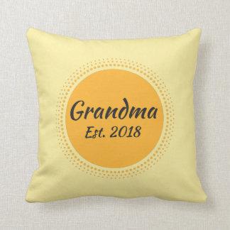 Großmutter Est. Gelbes Kissen des Wurfs-2018