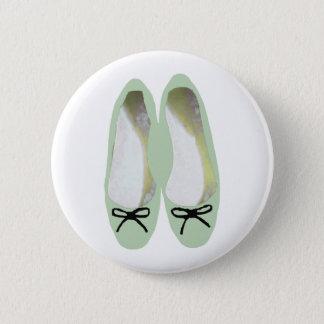 Grüne Schuhe Runder Button 5,1 Cm