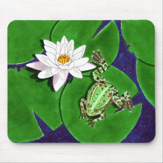 Grüner Frosch und Wasser-Lilie Mousepad