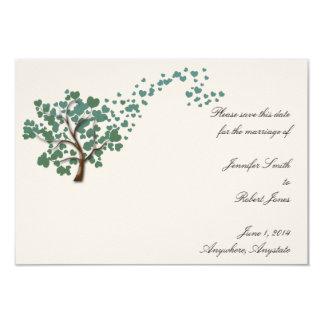 Grüner Herz-Baum auf Elfenbein Save the Date Karte