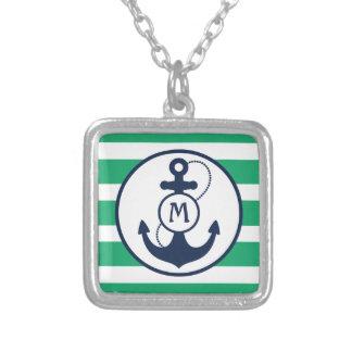 Grünes Anker-Monogramm Halskette Mit Quadratischem Anhänger