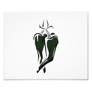 Grünes Tanzen des Chilipfeffers zwei abstrakt Photographischer Druck