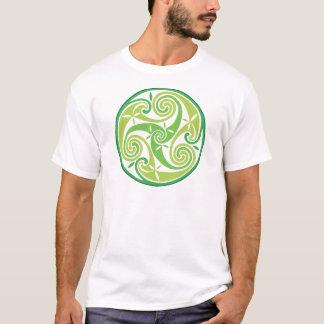 Grünes triskel T-Shirt