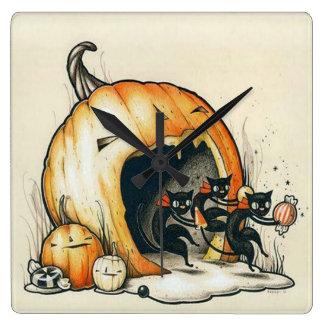 Gruselige Kürbis-Halloween-Wanduhr Quadratische Wanduhr