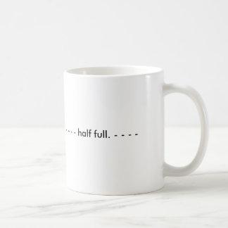 halb voll. tasse