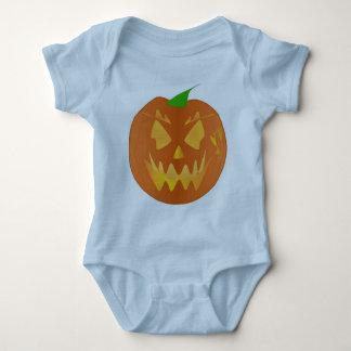 Halloween-Kürbis in hellblauem Tshirt