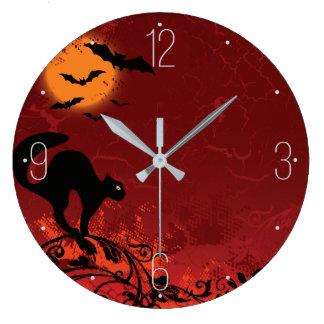 Halloween-Landschaft: Katze auf Reben, Mond, Große Wanduhr