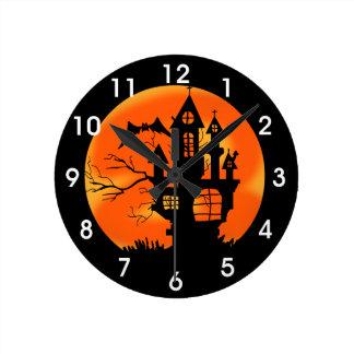 Halloween-Mond Runde Wanduhr