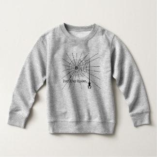 Hängende Spinne in einem Netz gotisches Halloween Sweatshirt