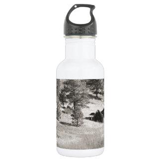 Haus und Berg im Sepia Trinkflaschen