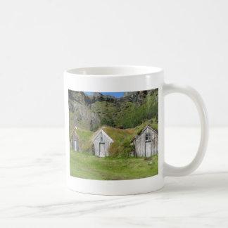 Häuser mit Grasdach Tasse