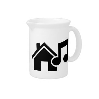 Hausmusikanmerkung Getränke Krüge