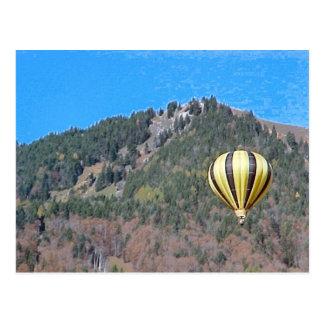 Heißluftballon im Bernese Oberland Postkarte