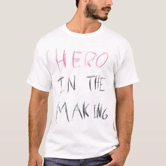 Held in der Herstellung T-Shirt