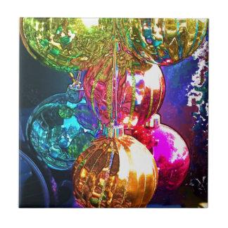 Helle Weihnachtsverzierungen Keramikfliese