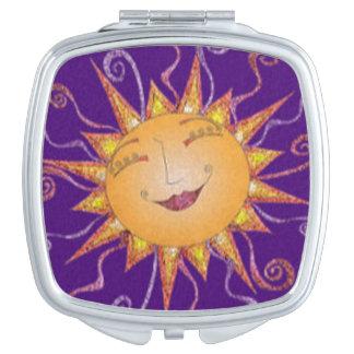 Heller glücklicher Sonnendurchbruch Taschenspiegel