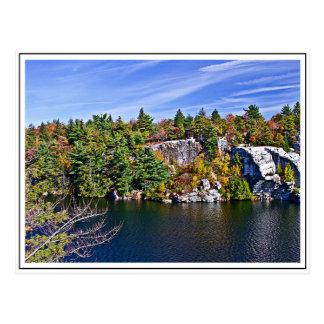 Herbstlaub um See Minnewaska Postkarte