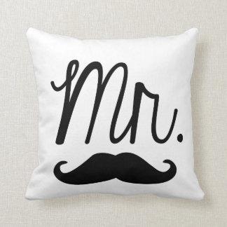 Herr Mustache Pillow Zierkissen