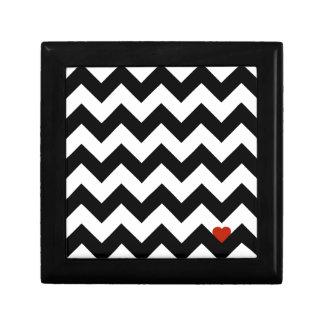 Herz & Dachsparren - schwarz/rot klassisch Kleine Quadratische Schatulle