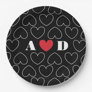 Herzen des Liebe-Musters mit Paar-Initialen Pappteller 22,9 Cm