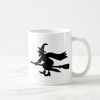 Hexe auf Besen Tasse