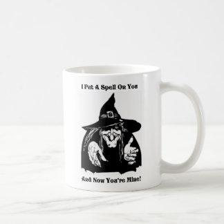 Hexe, die einen Bann auf Sie setzt Kaffeetasse