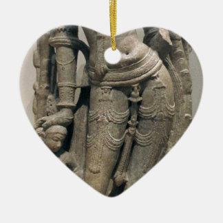 Himmlische Schönheit (Surasundari) Keramik Herz-Ornament