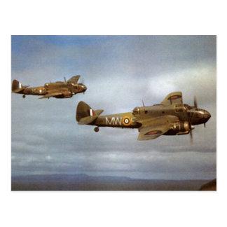 Historische Flugzeuge WW2 im Flug Postkarte