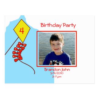 Hochfliegender hoher Geburtstag laden ein Postkarte
