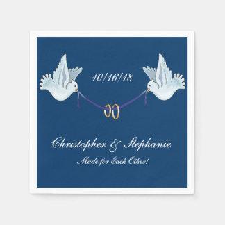 Hochzeits-oder Jahrestags-Tauben-Vögel auf blauem Papierservietten