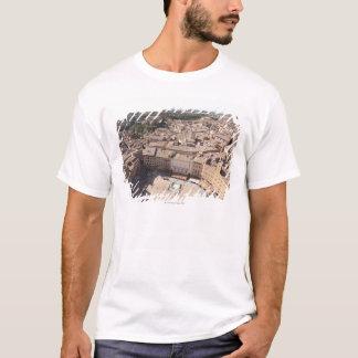 Hohe Winkelsicht von Townscape, Siena, Italien T-Shirt