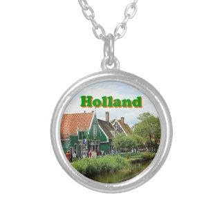 Holland: Niederländisches Windmühlendorf Halskette Mit Rundem Anhänger