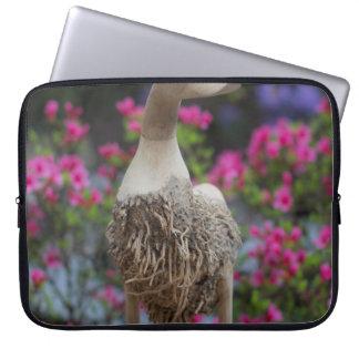 Hölzerne Ente mit Blumen Computer Sleeve Schutzhüllen