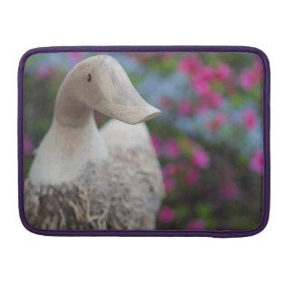 Hölzerner Entenkopf mit Blumen Sleeve Für MacBook Pro