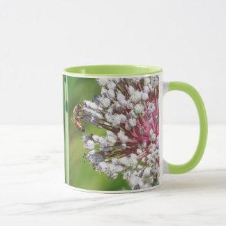 Honig-Biene auf Lauch-Blumen-Kaffee-Tasse Tasse