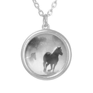 horse-430441 versilberte kette