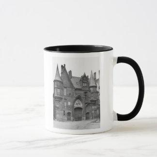 Hotel de Sens, Jahrhundert-früh des späten 19. Tasse