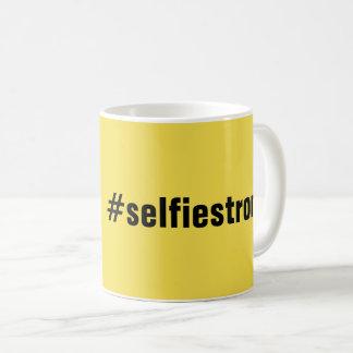 Humorvolle #selfiestrong Gelb-Kaffee-Tasse Kaffeetasse