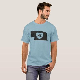 I der grundlegende dunkle T - Shirt der