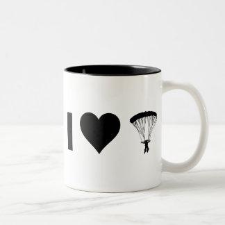 I Liebe-Fallschirmspringen Zweifarbige Tasse