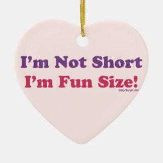 Ich bin nicht, ich bin die Spaß-Größe kurz (lila) Keramik Ornament