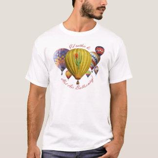 Ich würde eher die im Ballon aufsteigende T-Shirt