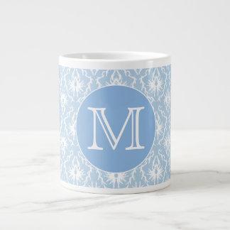 Ihr Brief, Monogramm. Hellblaues Damast-Muster Jumbo-Tasse