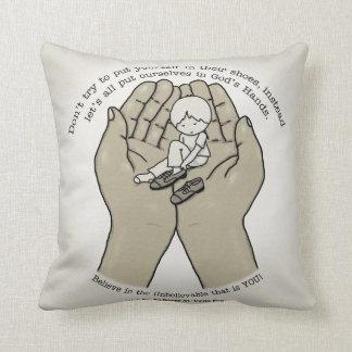 In den Händen des Gottes Kissen