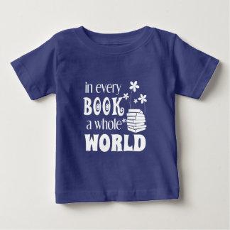 In jedem Buch eine ganze Welt Baby T-shirt