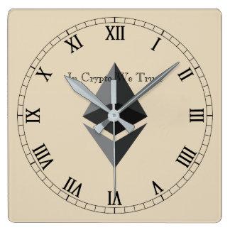 In Schlüssel vertrauen wir Ethereum zentrierte Quadratische Wanduhr