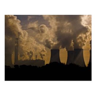 Industrie, welche die Atmosphäre verunreinigt Postkarte