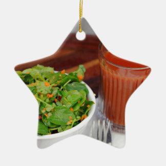 Ingwer-Karotten-Tomate, die Brunnenkresse-Salat Keramik Ornament
