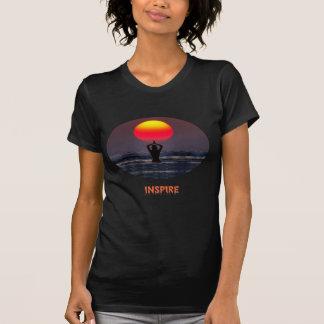 Inspirieren Sie T-Shirt