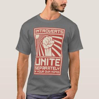 Introverts vereinigen separat in Ihren eigenen T-Shirt